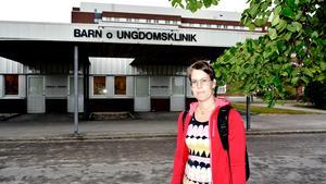Sara Narveby, specialistläkare på barnkliniken vid Sundsvalls sjukhus, berättar att barnläkarna haft bra möten med sjukhusledningen, men att det inte blir några konkreta resultat i form av åtgärder.