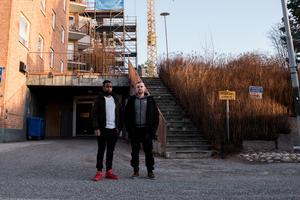 Peter Öberg, fastighetschef på  Övikshem,  och Johan Wikström, platschef på Rekab, har arbetat tillsammans med projektet på Andra Långgatan och är nöjda med resultatet.