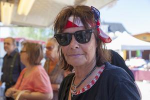 Evy Eriksson tycker att det är bra med marknadsdagar i Sveg på tisdagar. – Det är ett lyft för Sveg och turisterna. Det finns mycket bra saker vid kyrkan och på torget, säger hon.