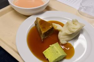 Timbalkosten är en konsistensanpassad mat till patienter med tugg-och sväljsvårigheter. Mat tillagas också till flera andra olika patientgrupper.