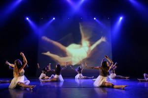 Kristine Westman Elorzas koreografi och Robert Ferms scenografi. Foto: Robie Törnell