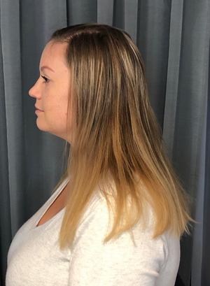 Angelicas hår innan färgningen. Foto: Victoria Fernqvist