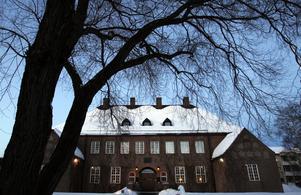 ...och en annan är fortfarande mest känd som musikhuset Domsaga. Detta är tingshuset för västra Medelpads domsaga, byggt 1912-1913. Bild: Anki Haglund