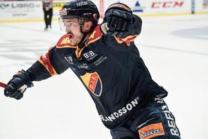 Marcus Högström är klar för Calgary i NHL.