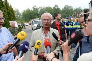 Under skogsbranden samlades inte bara räddningsstaben, brandmän, militärer och frivilligarbetare på konferensanläggningen. Även kungen kom på besök den 6 augusti 2014. Foto: Maja Suslin/TT.