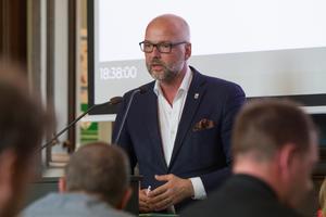 Pär-Olof Stål (C) är ordförande i arbetsmarknads- och socialnämnden och ledamot i fullmäktige.