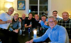 Kompisklubben Mindre modiga män består av från vänster: Jan Eriksson, Ulf Wiik, Anders Ekman, Håkan Ahlinder, Mats Jonsson, Anders Wikman, Jens Skarin, Per Berge och Tomas Eriksson. Foto: Privat