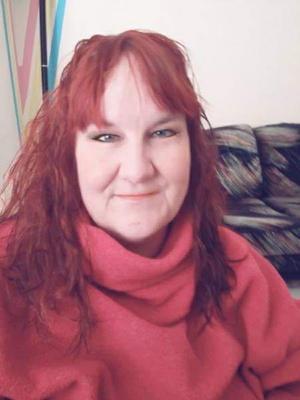 Cecilia Roshamn har nu en ny hårfärg – och är fortfarande singel! Bild: Privat
