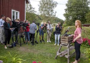 Ett stort medieuppbåd var på plats när Annie Lööf presenterade centerpartiets storsatsning på landsbygden.