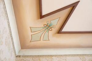 Fin detalj från takmålning i huset.
