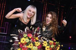 Dotter och Anna Bergendahl gick direkt vidare till final under Melodifestivalens deltävling två i Scandinavium på lördagen. Foto Claudio Brescian/TT