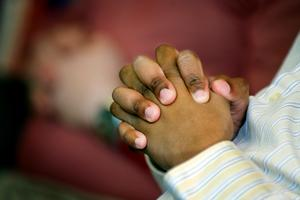 Låt oss be till Gud, skriver Börje Forsberg i Huså. Foto: Lars Pehrson
