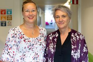 Region Gävleborg prioriterar förebyggande av självmord – två av dem som arbetar med problematiken är Jennie Palmberg, strateg, och Charlotte Agnevik Jonsson, sakkunnig samordnare.  Foto: Region Gävleborg