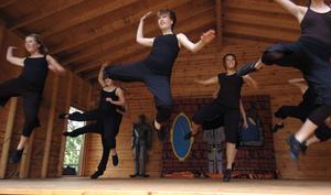 Hälsinglands Dansteater visade sig på styva linan.