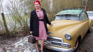 Cia Sandells egen 50-talsbil är med på bilderna i kalendern. Dock är hon inte med själv, eftersom hon fotograferar allt själv.