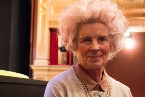 Siw Erixon, frilansskådespelare, spelar den äldre kvinnan Garson när Örebro länsteater sätter upp