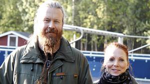 Tommie och Chatrine Nordlund prisades för initiativet med Fredagsmys i Bergeforsen.