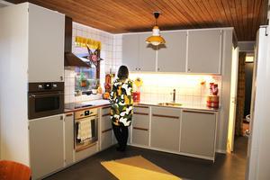 Köket är nytt men inspirerat av 50-talet.