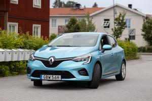 Renault Clio E-Tech hybrid är bränslesnål och kombinerar  el- och förbränningsmotor.