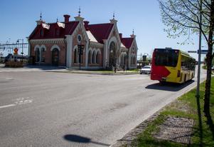 Under vintern har tågstationen i Hudiksvall varit en samlingsplats för en grupp ungdomar.