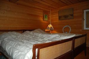 Ett av sovrummen i härbret. Foto: Westergården & Partner AB / Sam Westergård
