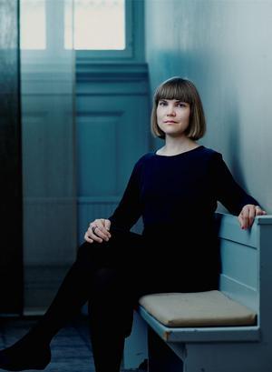 Författaren Sara Bergmark Elfgren kommer till helgens science fiction-kongress i Västerås. Foto: Henric Lindsten
