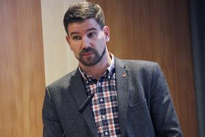 Markus Evensson (S), konstaterar att Ljusdal aldrig tidigare varit en så utsatt situation som nu, med ett förväntat underskott i kommunkassan på 42,7 miljoner.
