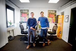 Sebastian och Hugo har sitt kontor i Älvsjö. Härifrån sköts affärerna.