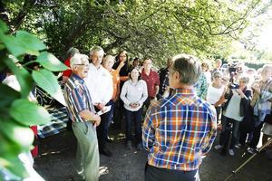 Många passade på att säga ett sanningens ord till bygg- och miljönämndens ordförande Jörgen Edsvik, S, som står med ryggen mot kameran.