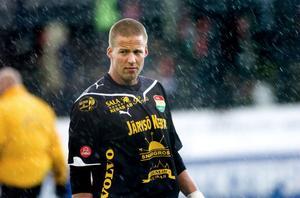 Dalkurds målvakt Frank Pettersson uppvaktas av Brage. Enligt DT-sportens källa är Frank mycket nära en uppgörelse med Brage inför kommande säsong.