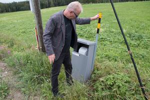 Jan Onning visade hur löst ett markskåp satt – då lossnade luckan.