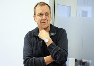 Pristagaren Lars Westerman. (Ber om ursäkt för trist bild, men så blir det när man ska överraskningspaparazza i kommunalt konferensrum.)