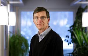 Jan Smedjegård, smittskyddsläkare i Västmanland, säger att antalet TBE-fall ligger på ungefär samma nivå som förra året, det är till och med lite färre som insjuknat.