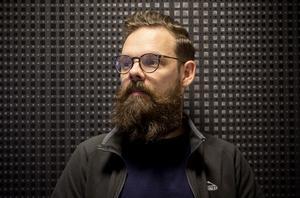Robin Lundqvist belönas för sitt hantverk vid en utdelning i Blå Hallen på onsdag.