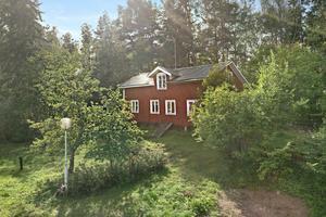 Norshyttan 141. Foto: Svensk Fastighetsförmedling Hedemora