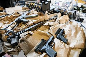 Hur många illegala vapen som smugglas in i Sverige varje år vet ingen