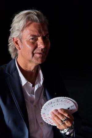 Illusionisten Joe Labero kommer till Estrad på Luciadagen, fredag den 13 december. Foto: Pressbild/Magnus Stråberg