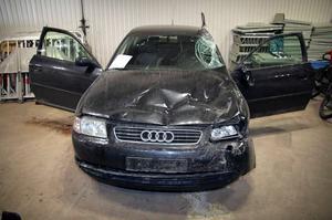 Foto från polisens förundersökning. Audin som beslagtogs  efter krock med ett hästekipage bedömdes vara i mycket dåligt skick.