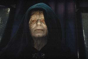 Ian McDiarmid spelar den onde kejsaren Palpatine i filmerna om Stjärnornas krig. Foto: Lucasfilm