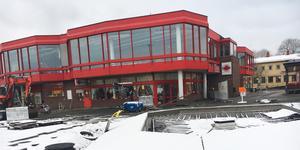 Nu ska den efterlängtade upprustningen av Centrumtorget i Hallstavik äntligen gå i mål.