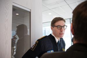 Vikarierande generaldirektör för Tullverket Fredrik Holmberg vill ha större befogenheter.