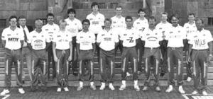 """Arnljot 1989. Östersundslaget var på 1980-talet ett av Sveriges bästa bowlinglag. Man spelade i Elitserien och gick flera år till slutspel, med semifinal som bästa placering. """"Vi vann guld i femmanna och tog också totalt tre silver och brons. Dessutom silver i tremanna. Vi hade ett otroligt bra lag och vi har faktiskt fortfarande svenskt rekord i femmanna från 1987"""" berättar Ralf Lantz. Här är Arnljots laguppställning 1989, ett år då man nyss tappat bröderna Bernt och Jan Clarin, samt Magnus Öberg. Från vänster: Bernt Nilsson, Sören Lantz, Göran Grape, Kent Stunis, Thomas Buska, Patrik Skoglund, Stefan Sundqvist, Bo Nerpinm, Ralf Lantz, Jan Lööf, Patrik Ström, Jörgen von Essen, Håkan Sjödin, Anders Bergström, Christer Sundqvist, Bo Leijon och Staffan Liljedahl. Foto: ÖP"""