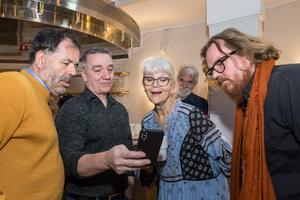 Med ett år kvar till premiären av Markurell musikalen har Monica Forsberg i samarbete med Peter Flack börjat bearbeta texten och skriva sångtexter medan P-O Nilsson börjat komponera musiken. Här tillsammans med Gregor Zubicky och Christer Linder.