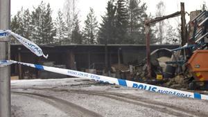 Polisen har spärrat av brandplatsen inför en kommande undersökning.