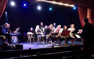 Thule Big Band under ledning av Simon Fransman.