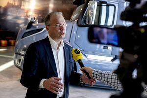 Volvos vd Martin Lundstedt är nöjd med det gångna kvartalet, men ser fortsatt osäkerhet kring bland annat tillgången på halvledare. Arkivbild. Foto: Adam Ihse / TT