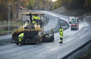 Om Trafikverks förslag går igenom kan flera stora vägprojekt få vänta. Foto: FREDRIK SANDBERG / TT,