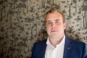 Mattias Eriksson Falk var tidigare regionråd men övergick vid årsskiftet till att bli kommunalråd för SD.