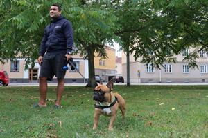 Andres Nojuera är överraskad av mordet i Karl Johan-parken. Han själv är inte rädd men fick lugna ner sin mamma under måndagen.