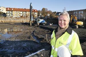 Charlotte Köhler är ny samhällsbyggnadsdirektör i kommunen. Hon ser fram mot att följa nordens största trähusprojekt med 400 hyresrätter i Norrtälje Hamn.